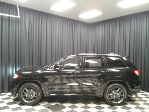 Diamond Black Crystal Pearl Jeep Grand Cherokee Limited 4x4.  Click to enlarge.