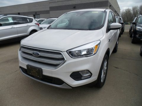 White Platinum Ford Escape SE.  Click to enlarge.