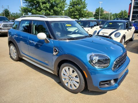 Island Blue Mini Countryman Cooper S All4.  Click to enlarge.