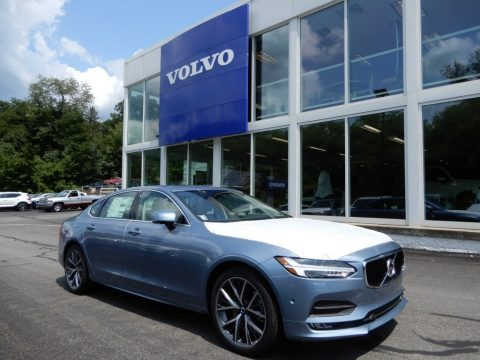Mussel Blue Metalic Volvo S90 T6 AWD Momentum.  Click to enlarge.