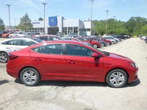 Scarlet Red Pearl Hyundai Elantra SEL.  Click to enlarge.