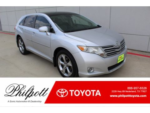 Classic Silver Metallic Toyota Venza V6.  Click to enlarge.