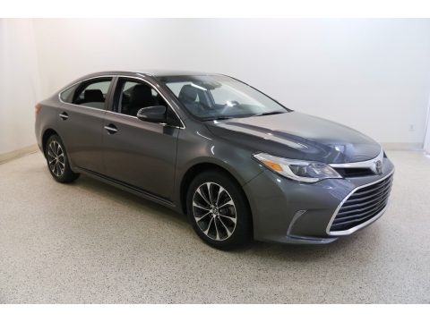 Magnetic Gray Metallic Toyota Avalon XLE.  Click to enlarge.