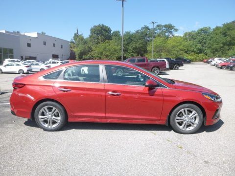 Scarlet Red Hyundai Sonata SEL.  Click to enlarge.