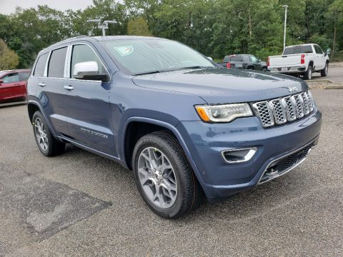 Slate Blue Pearl Jeep Grand Cherokee Overland 4x4.  Click to enlarge.