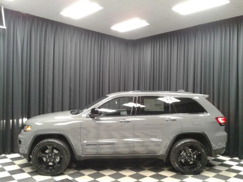 Sting-Gray Jeep Grand Cherokee Upland 4x4.  Click to enlarge.