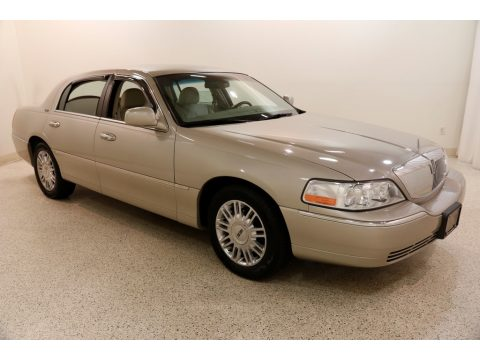 Light French Silk Metallic Lincoln Town Car Signature Limited.  Click to enlarge.