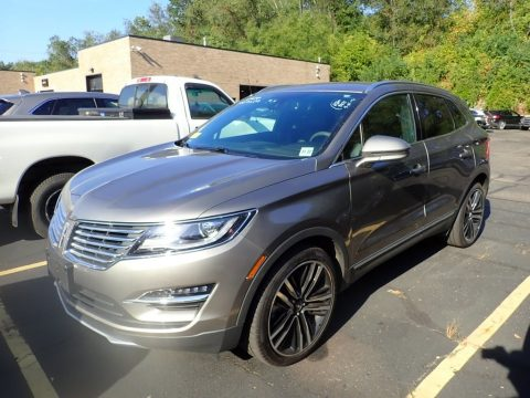 Luxe Metallic Lincoln MKC Reserve AWD.  Click to enlarge.