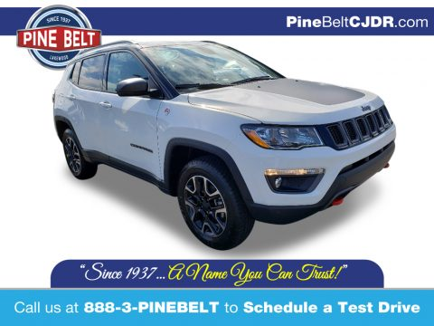 White Jeep Compass Trailhawk 4x4.  Click to enlarge.