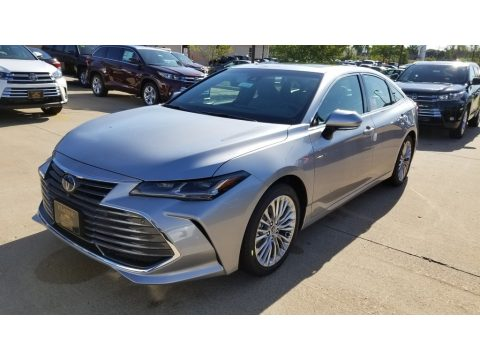 Celestial Silver Metallic Toyota Avalon Hybrid Limited.  Click to enlarge.