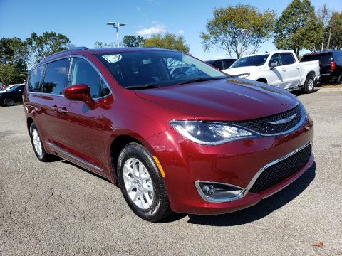 Velvet Red Pearl Chrysler Pacifica Touring L.  Click to enlarge.