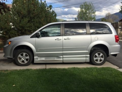 Bright Silver Metallic Dodge Grand Caravan SXT.  Click to enlarge.