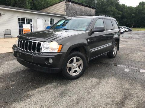 Light Graystone Pearl Jeep Grand Cherokee Limited 4x4.  Click to enlarge.