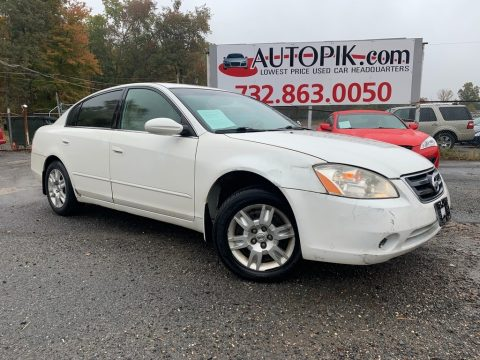 Satin White Pearl Nissan Altima 2.5 S.  Click to enlarge.