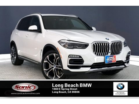 Alpine White BMW X5 sDrive40i.  Click to enlarge.
