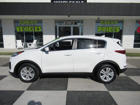 Clear White Kia Sportage LX.  Click to enlarge.