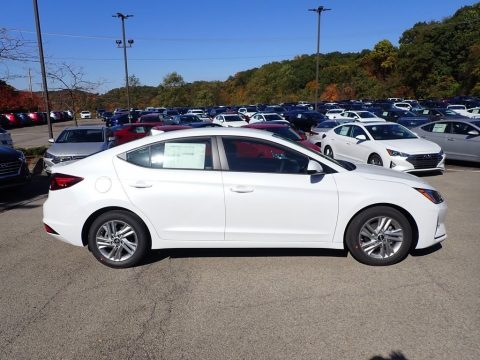 Quartz White Pearl Hyundai Elantra SEL.  Click to enlarge.