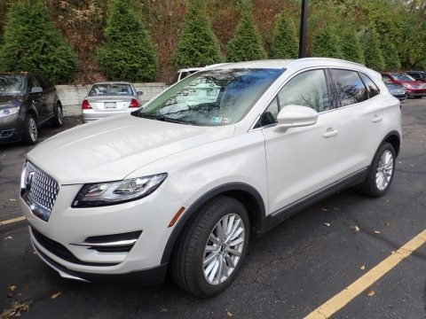Ceramic Pearl Lincoln MKC AWD.  Click to enlarge.