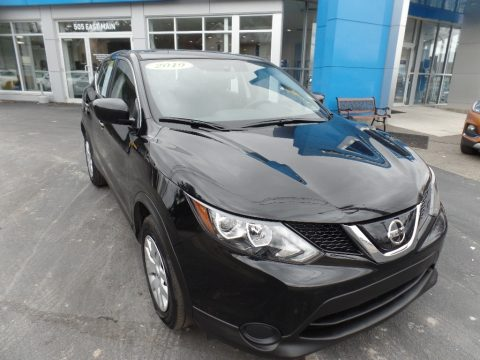 Magnetic Black Pearl Nissan Rogue Sport S AWD.  Click to enlarge.