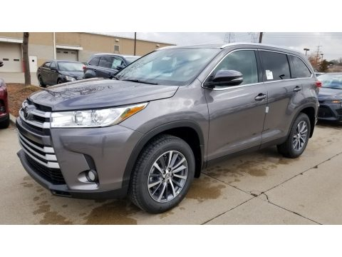 Predawn Gray Mica Toyota Highlander XLE AWD.  Click to enlarge.