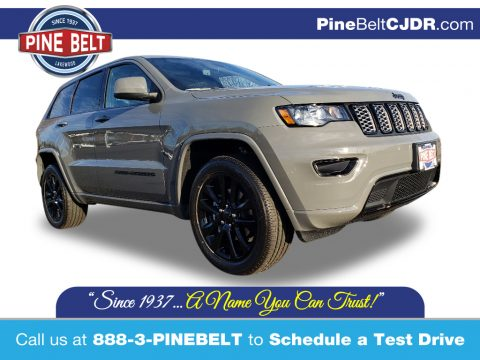 Sting-Gray Jeep Grand Cherokee Altitude 4x4.  Click to enlarge.