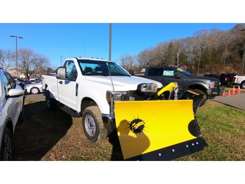Oxford White Ford F250 Super Duty XL Regular Cab 4x4 Plow Truck.  Click to enlarge.