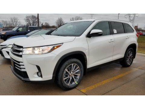 Blizzard Pearl White Toyota Highlander XLE AWD.  Click to enlarge.