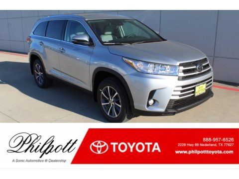 Celestial Silver Metallic Toyota Highlander XLE.  Click to enlarge.