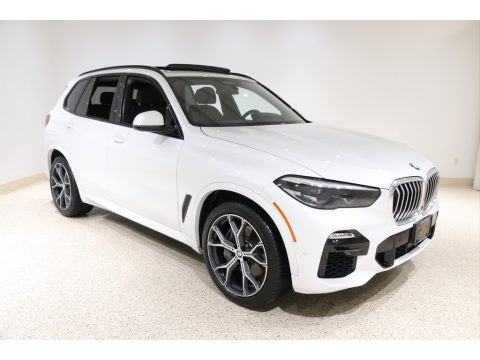 Mineral White Metallic BMW X5 xDrive50i.  Click to enlarge.