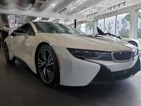 BMW i8 Giga World