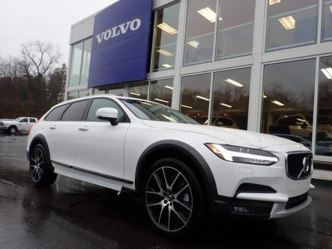 Crystal White Metallic Volvo V90 Cross Country T6 AWD.  Click to enlarge.