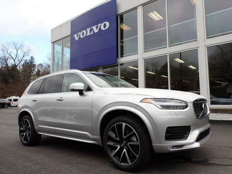 Bright Silver Metallic Volvo XC90 T6 AWD Momentum.  Click to enlarge.
