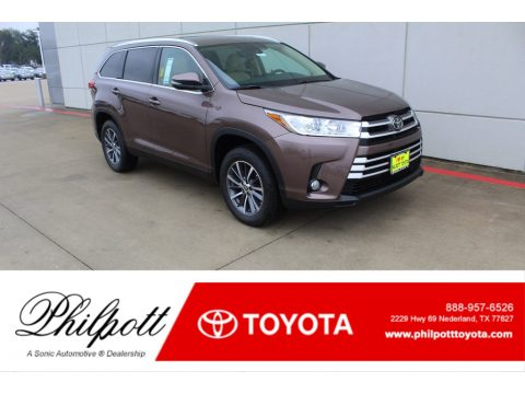 Toasted Walnut Pearl Toyota Highlander XLE.  Click to enlarge.