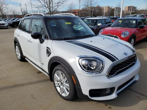 Light White Mini Countryman Cooper S All4.  Click to enlarge.