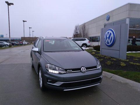 Platinum Gray Metallic Volkswagen Golf Alltrack S 4Motion.  Click to enlarge.