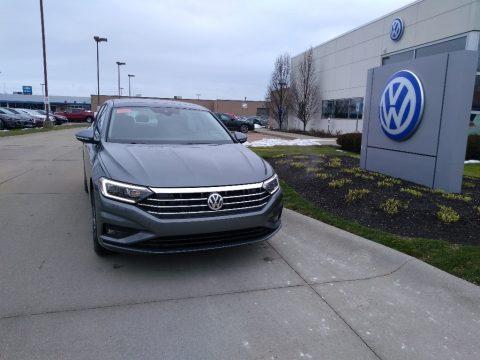 Platinum Gray Metallic Volkswagen Jetta SEL Premium.  Click to enlarge.