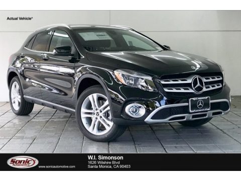Night Black Mercedes-Benz GLA 250.  Click to enlarge.