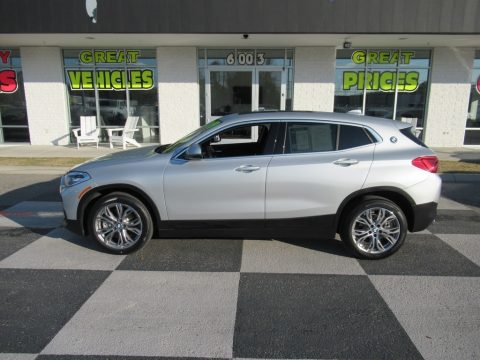 Glacier Silver Metallic BMW X2 sDrive28i.  Click to enlarge.