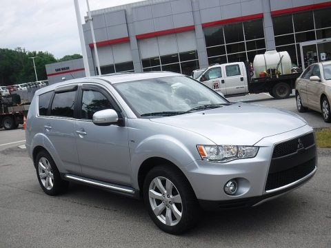 Cool Silver Metallic Mitsubishi Outlander GT S AWD.  Click to enlarge.