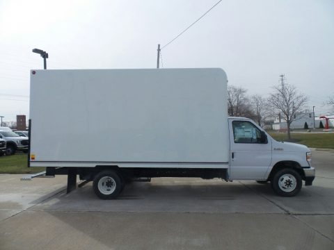 Oxford White Ford E Series Cutaway E450 Commercial Moving Truck.  Click to enlarge.