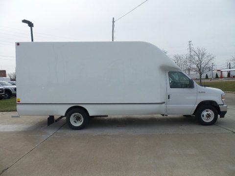 Oxford White Ford E Series Cutaway E350 Commercial Moving Truck.  Click to enlarge.