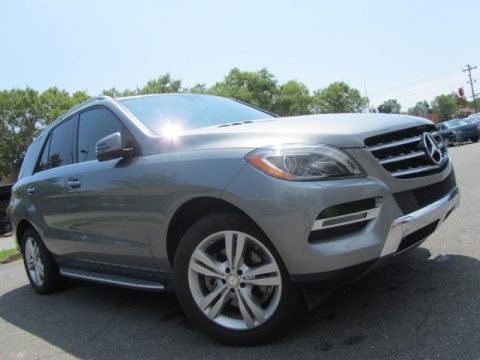 Palladium Silver Metallic Mercedes-Benz ML 350 4Matic.  Click to enlarge.