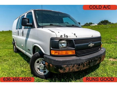 Summit White Chevrolet Express 2500 Commercial Van.  Click to enlarge.