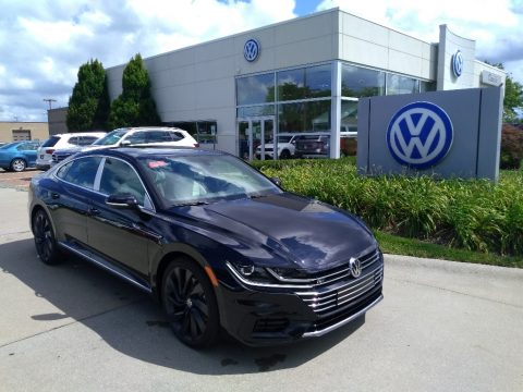 Deep Black Pearl Volkswagen Arteon SEL R-Line 4Motion.  Click to enlarge.