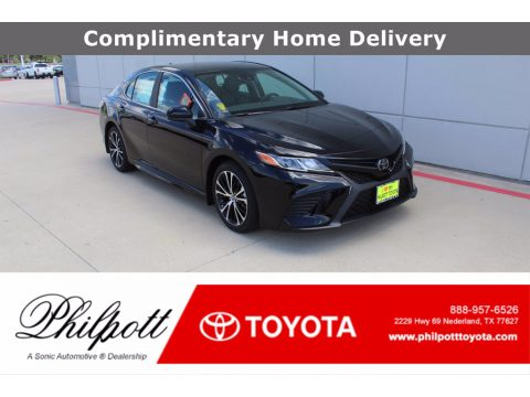 Midnight Black Metallic Toyota Camry SE.  Click to enlarge.