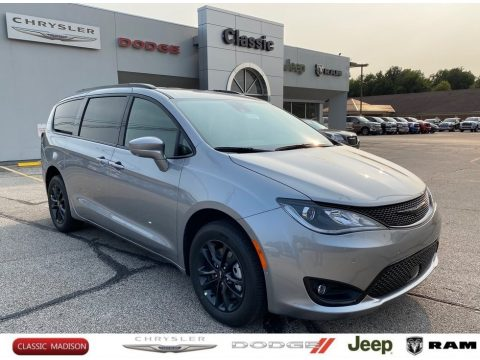 Chrysler Pacifica Launch Edition AWD