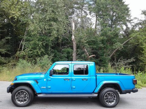 Hydro Blue Pearl Jeep Gladiator Overland 4x4.  Click to enlarge.