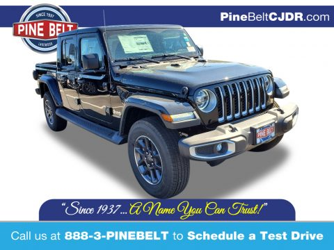 Black Jeep Gladiator Overland 4x4.  Click to enlarge.
