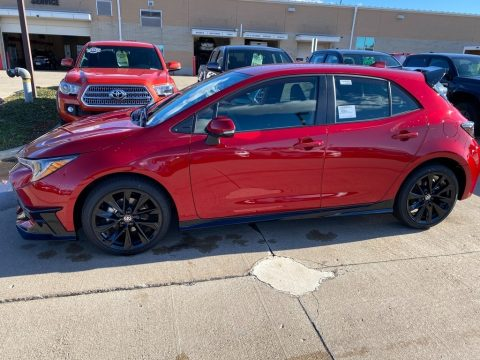 Supersonic Red Toyota Corolla Hatchback SE.  Click to enlarge.