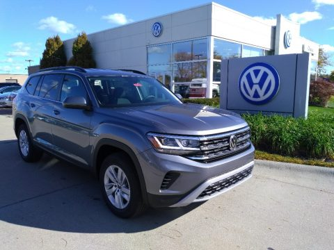 Platinum Gray Metallic Volkswagen Atlas S 4Motion.  Click to enlarge.